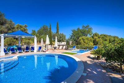 The pools, a bar area is to the rear centre it's unstaffed and unstocked,
