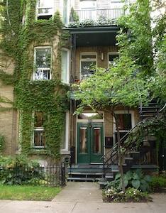 Maison. Appartement au rez-de-chaussée