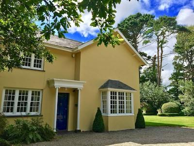 Georgian Residence Set In Private Grounds On Beautiful Llyn Peninsula Hot tub