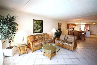 South Padre Beach Front Condo  Luxury family room with amazing views
