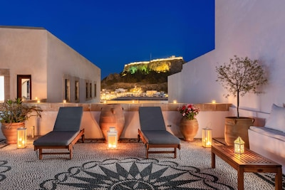 Stunning private terrace with Acropolis View