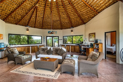 Comfortable Living Area with Views in All Directions