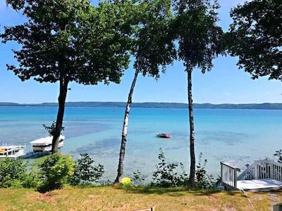 New! Gorgeous Waterfront 3 Bedroom Rental on Glen Lake