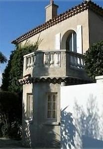 Entering thru the gate