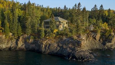 North Shore Headlands House on Lake Superior