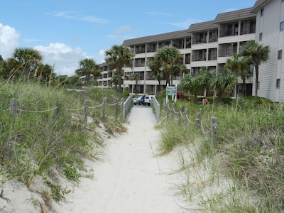 Villa has convenient beach access