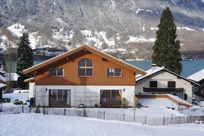 House view in winter.