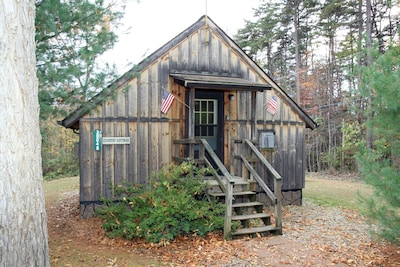 Blue Rose Cabins - Country Cottage
