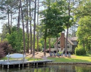 House in the Horseshoe, North Carolina, United States of America