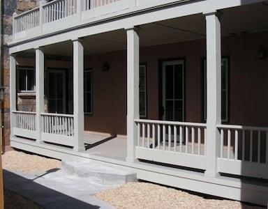 Entry & Porch