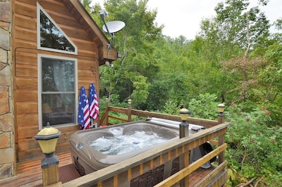Beautiful Pet Friendly Secluded Cabin With Fire Place And Hot Tub Stecoah