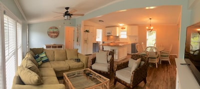 pano view of great room and kitchen