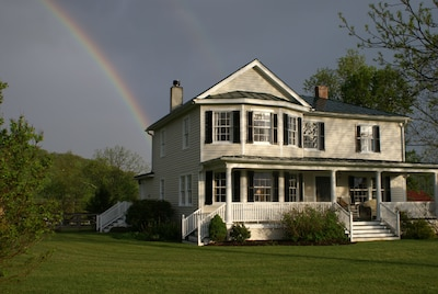 Beautifully renovated 5+ bedroom home on 65 acres