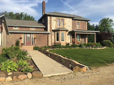 Elegant Farm Home - Welcome to Peace and Quiet.