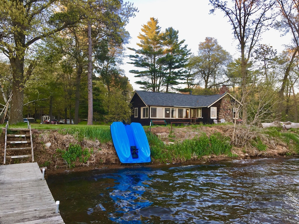 Charming Cabin with Beautiful Spooner Lake Front   Spooner