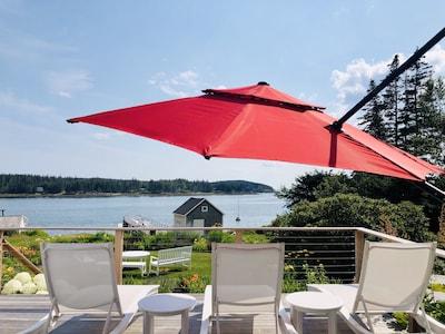 Overhang umbrella