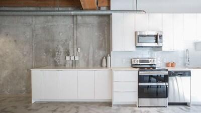 Brand new spacious gourmet kitchen.