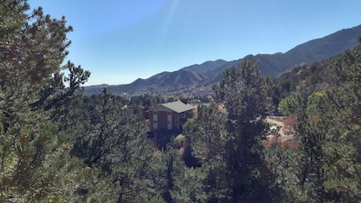 Nestled in the foothills of Manitou Springs, but downtown is just a walk away!