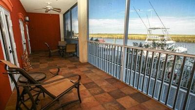 Riverfront Condo on Beautiful Apalachicola River!