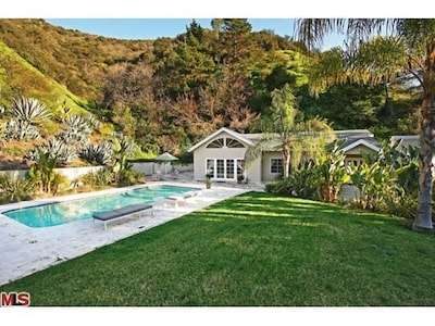 Two Bedroom House With Pool And Guest House Los Angeles