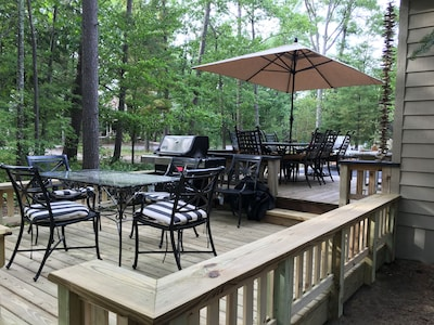 2 level deck with outdoor dining for 12