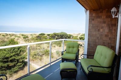 On the Beach! 3 King Beds, 5 Hd Tvs, Wi-Fi, Luxury Townhome, Rockaway Oasis!