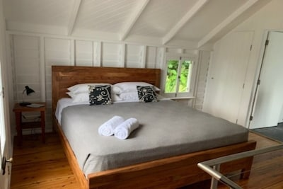 Cottage King Room