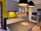 1er étage, nouvelle cuisine équipée avec lave-vaisselle, fours, plaque induction
