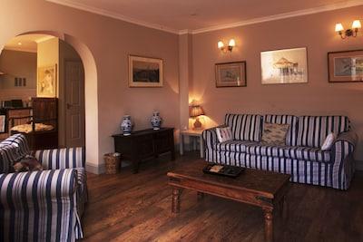 No.1 sitting room.