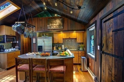 15 Acre Private Luxury Estate, Close to Everything,  Enjoy 'Aspen Cabins' Views'