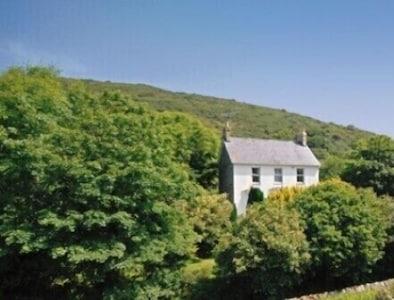 Large, Luxury, Holiday Cottage In Tresaith, Cardigan Bay, West Wales