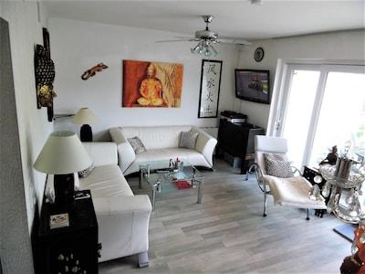 """Wohnzimmer mit 42"""" Flat TV. HD-TV, DVD-Player,"""