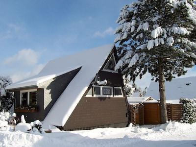 """Afrikahaus"" im Winter"