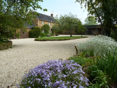 Early Summer at Sansome House Cottage