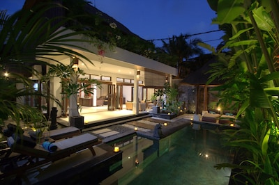 Villa Kipas by night