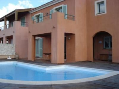 Façade piscine indépendante
