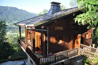 Chalet 8 pers idéal familles, juste au dessus du village avec vue panoramique