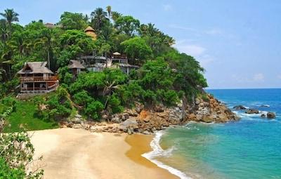 Few places enchant the senses quite like Villa Violeta. Paradise awaits.