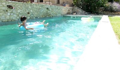 Enjoy the freshness of the pool