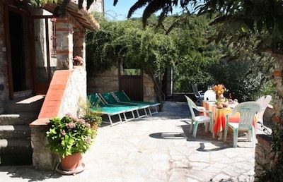 'La Tana' with large southfacing terrace and spectacular airy sittingroom