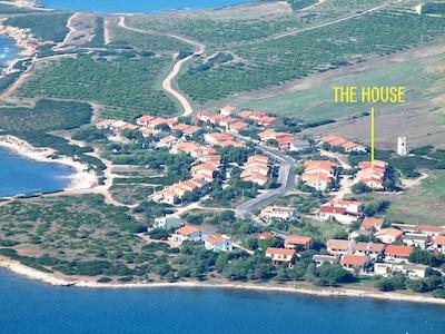 Mandriola: a 150 mt. dal mare in area con numerose spiagge in zona tranquilla.