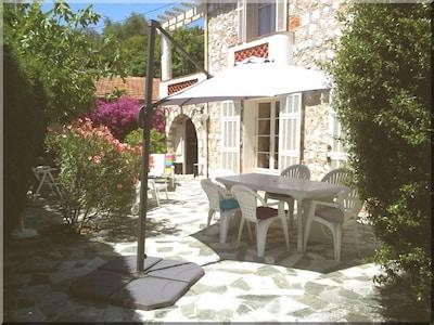 Abordable à Villefranche : Maison familiale, jardin, 4/5 pers, garage