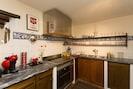 Top ausgerüstete Küche mit neuem Glaskeramikherd - und Elektro Backofen