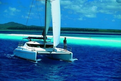 Full & 1/2  Day Sails,sunset cruises from $1800. Bnb from $2400-3600 / night