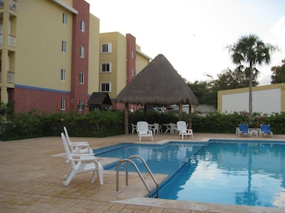 The quiet pool and poolside palapa!