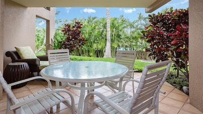 Large lanai just steps from the pool, private, with a great chaise lounge