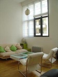 Chambre (hauteur sous plafond 3.8 m)