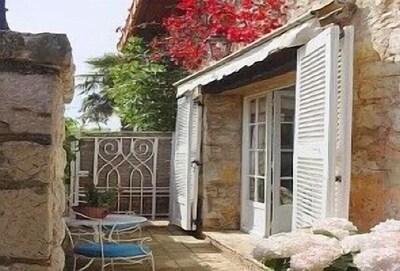 Le Pavillon - Entrance