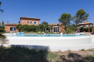 mas provençal   côte d'azur  nature préservée, beaucoup d'espace, pas de voisins