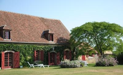 Les Trois Provinces, Cher (department), France